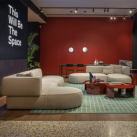 1_CASSINA-SHOWROOM-MILANO Bowy-Sofa